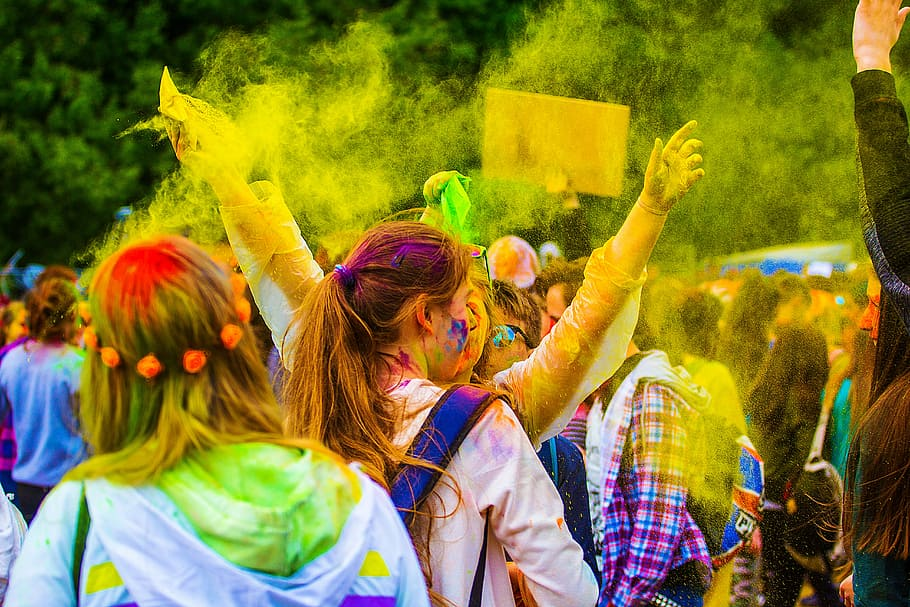 holi essay in english 150 and 200 words